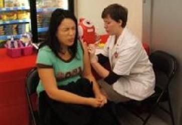 Walgreens nears national H1N1 vaccine availability