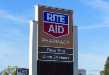 Rite Aid, Western Union renew payment services pact