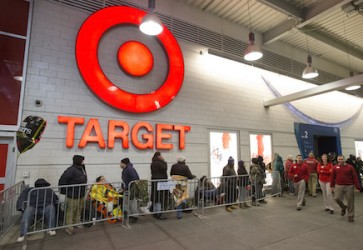 Shoppers to spend about $415 per household over Thanksgiving
