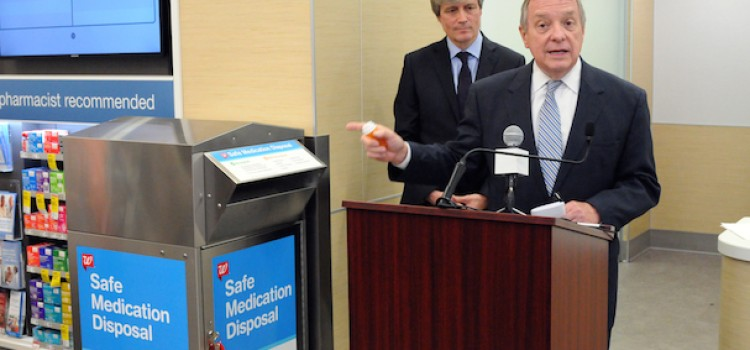 Durbin helps Walgreens launch drug take-back program