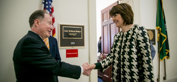 Pharmacy champion McMorris Rodgers leads letter to HHS on DIR reform