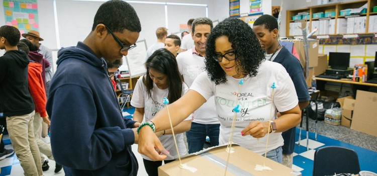 L'Oréal USA employees dedicate time to their local communities