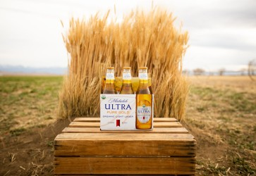 Michelob ULTRA Pure Gold Super Bowl spot highlights 6 For 6-Pack program