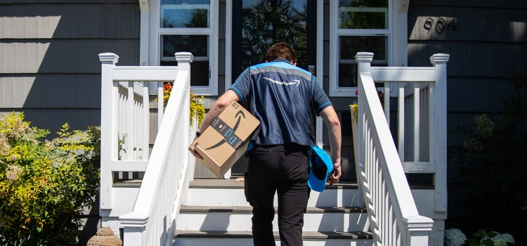Amazon offers new ways to track, receive and pick up holiday orders