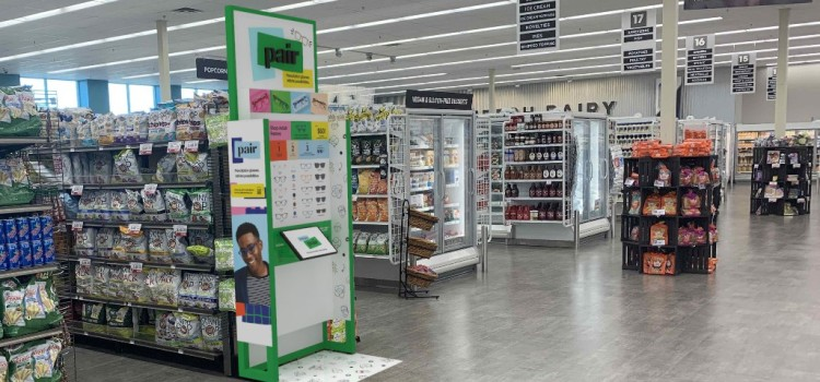Hy-Vee teams with Pair Eyewear to offer hybrid shopping experience to customers