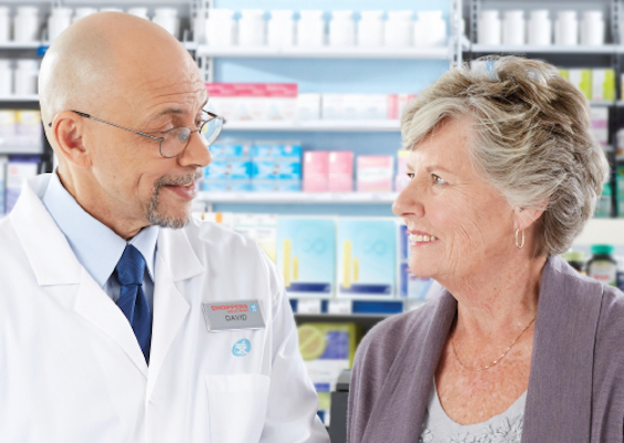 SDM pharmacist with senior patient_featured