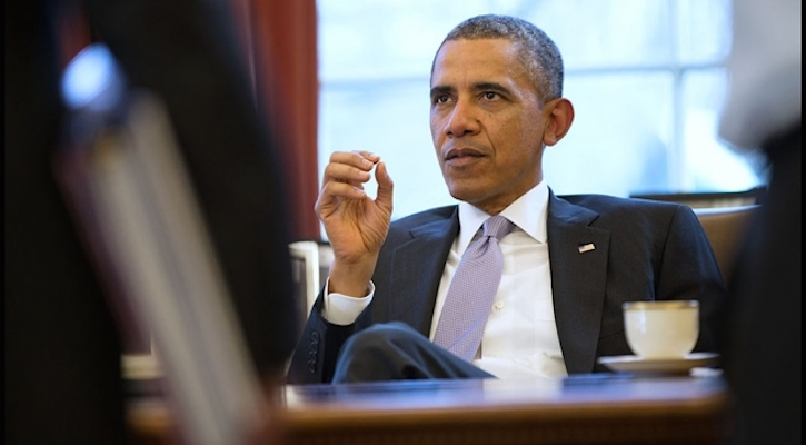 Obama at desk_featured