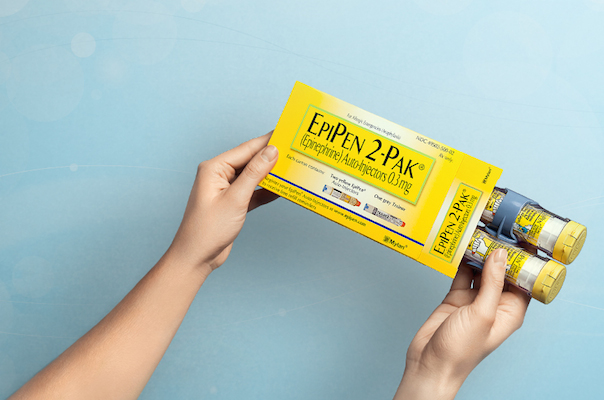 EpiPen_patient with box_Mylan