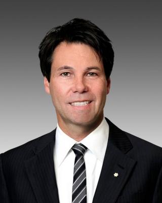 eric-hoskins_ontario-health-minister